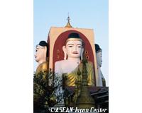 チャイプーンパゴダの仏像