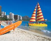 ワイキキビーチとヨット